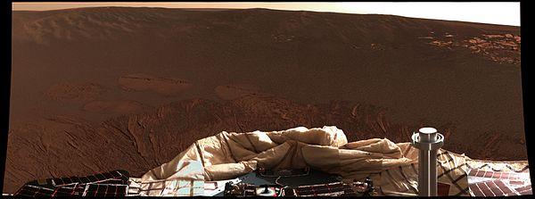 オポチュニティの着陸後、初めて撮影されたカラー写真。メリディアニ平原が映っている wikipedia