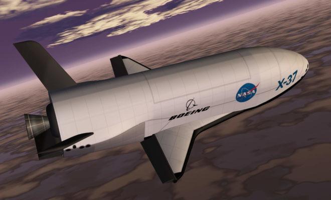 1999年時点の構想図。NASAのロゴが描かれている ボーイング X-37 wikipedia